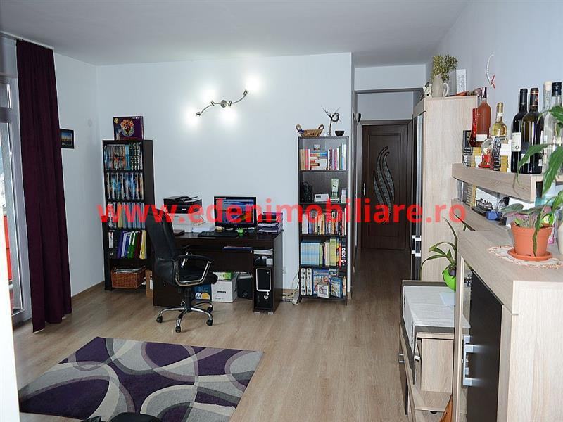 Apartament 3 camere de vanzare in Cluj, zona Zorilor, 125000 eur