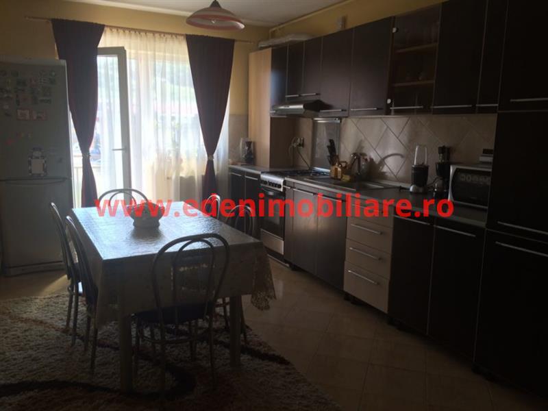 Apartament 3 camere de vanzare in Cluj, zona Floresti, 43000 eur