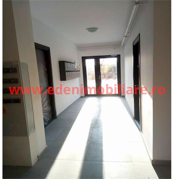 Apartament 3 camere de vanzare in Cluj, zona Andrei Muresanu, 80000 eur