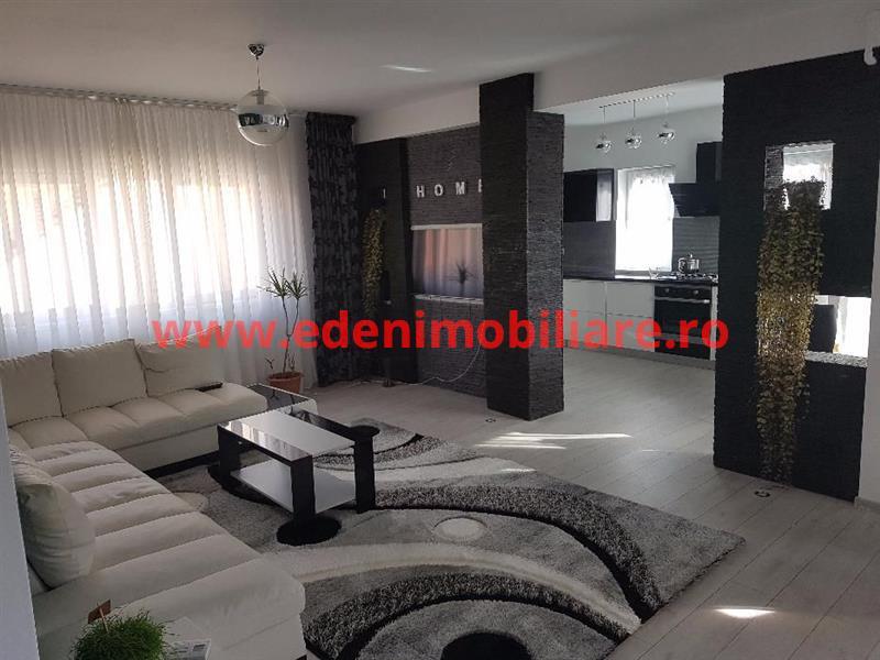 Apartament 3 camere de vanzare in Cluj, zona Semicentral, 200000 eur