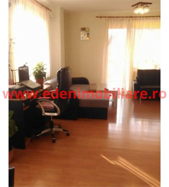 Apartament 4 camere de inchiriat in Cluj, zona Marasti, 850 eur