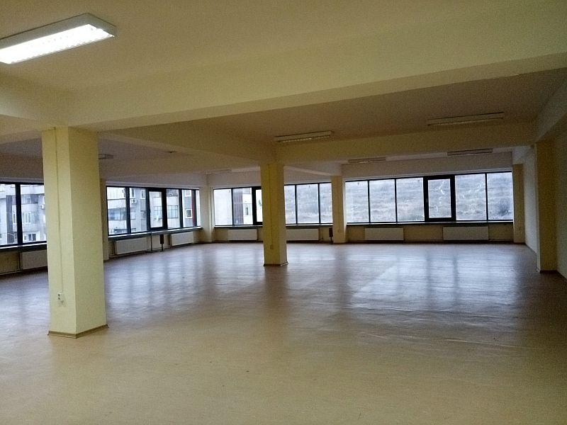Spatiu de birou de inchiriat in Cluj, zona Iris, 1080 eur