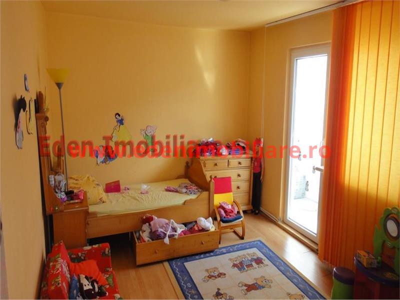 Apartament 4 camere de vanzare in Cluj, zona Manastur, 70000 eur