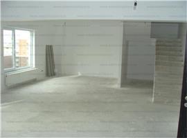 Apartament 4 cam penthouse cu scara interioara in Marasti
