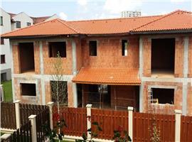 Casa cuplata 155 mp si 292 mp teren de vanzare in Gheorgheni
