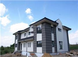 Vanzare casa/duplex cu 4 camere semifinisat in Faget