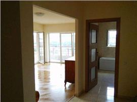 Vanzare apartament cu 2 camere in zona Polus