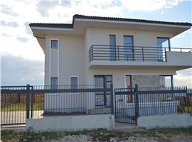 Vanzare casa cu 4 camere si 440 m teren in Dezmir, Cluj