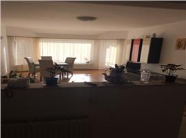 Apartament cu 3 camere in Andrei Muresanu