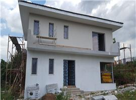 Casa individuala 4 camere cu 500 m teren in Dezmir