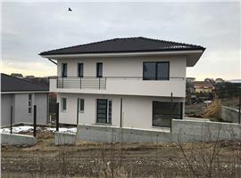 Casa individuala 4 camere si 410 m teren in Dezmir