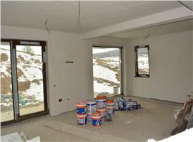 Casa individuala semifinisata si 460 m teren Borhanci