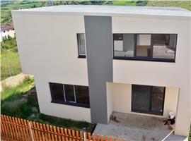 Case cuplate 4 camere si 265 m teren in Chinteni, Cluj