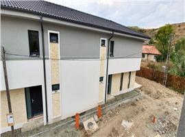 Case/duplex 4 camere 120 mp de vanzare in Sannicoara, Cluj