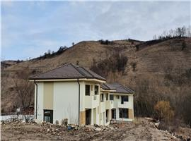 Case/duplex 4 camere de vanzare in Sat Popesti, com Baciu