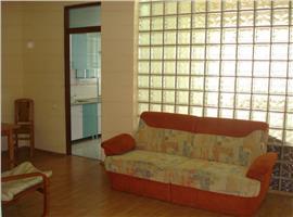 Inchiriere apartament 1 camera cu nisa de dormit, imobil nou